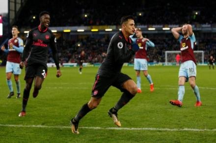Sanchez fit for Gunners