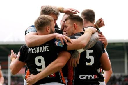 Castleford win big at Wigan to put down marker
