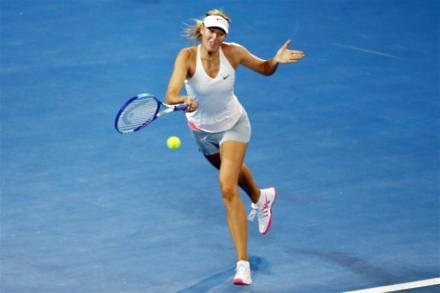 Sharapova would play 'in parking lot'