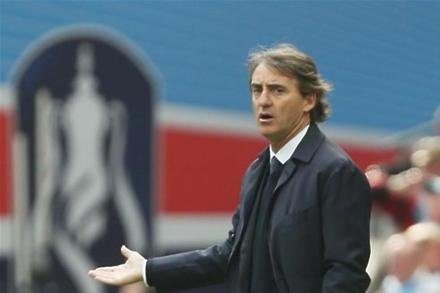 Mancini cools Foxes rumours