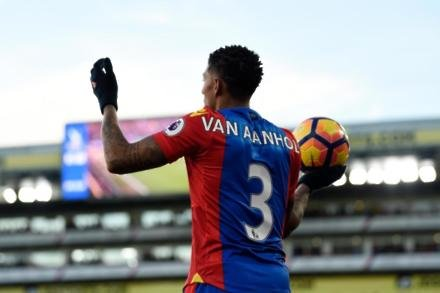 Van Aanholt rules out Palace exit