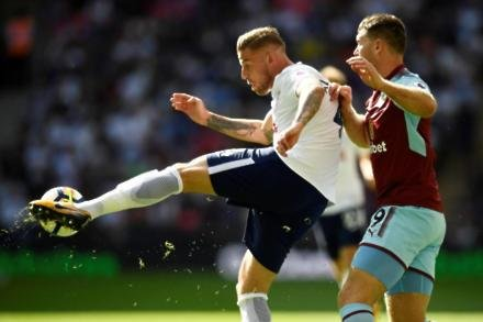 English rivals eye up Alderweireld
