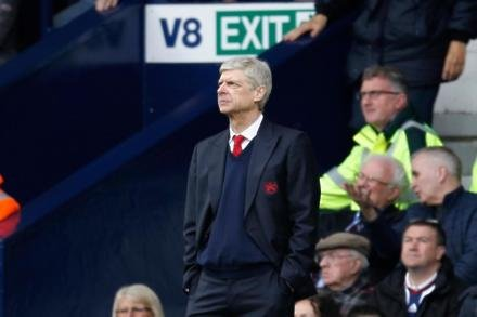 Wenger to sign 12-month extension