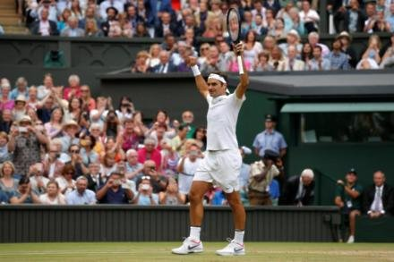 Federer marches into Wimbledon final