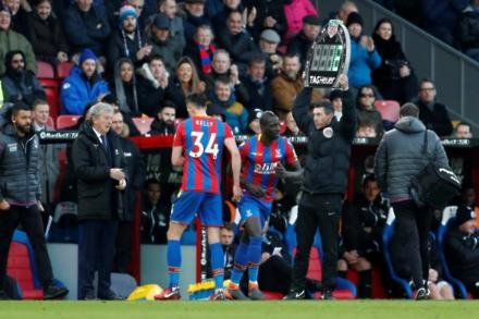 Kelly adds to Palace problems