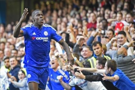Zouma signs new Blues deal