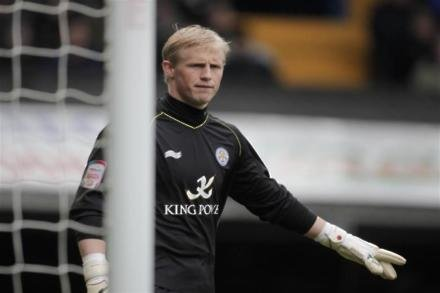 Schmeichel - Foxes looking to sign two new keepers