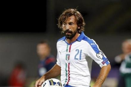 Pirlo hints at Chelsea role