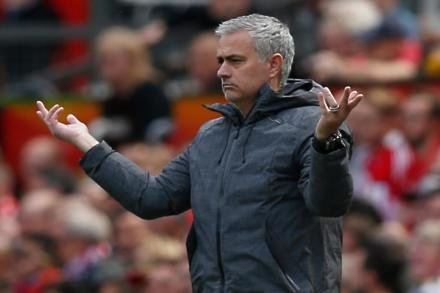 Mourinho keeping a lid on festive cheer