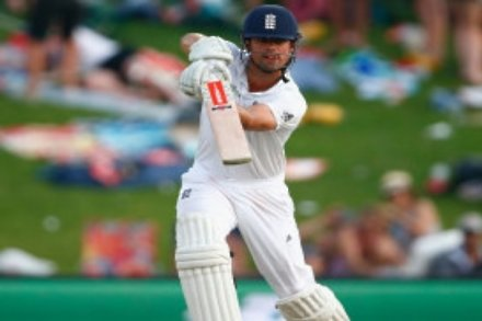 England edge further in front in rain-marred day