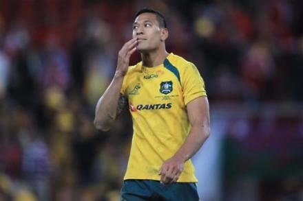 Folau shines as Aussies break duck