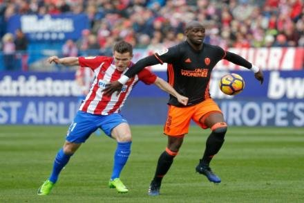 Swans plan Gameiro bid