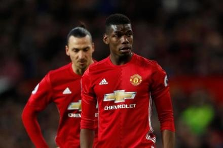 Top trio back to boost United