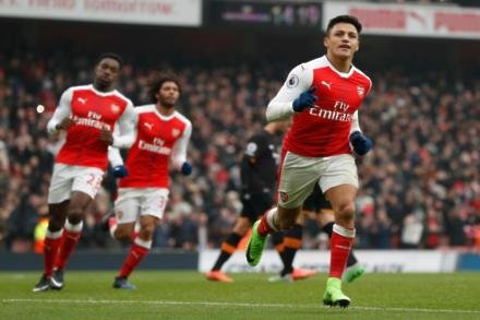 Bayern admit Sanchez interest