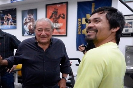 Arum: Pacquiao's shoulder has healed