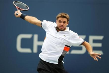 Wawrinka makes training comeback