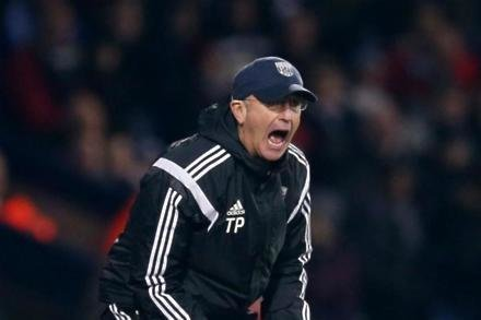 Pulis praises duo over contract extensions