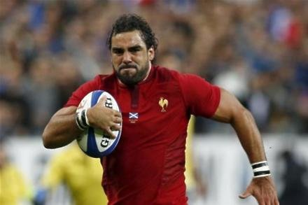 France win marred by Huget injury