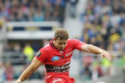 Scarlets to work on Halfpenny attack