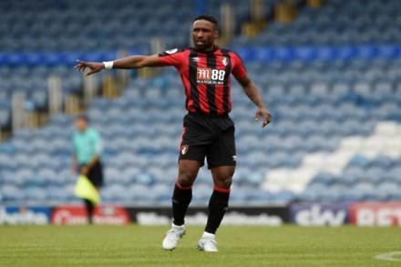 Howe pleased with Defoe progress