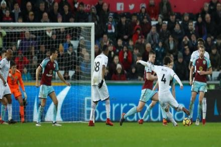 Ayew hails Swans character
