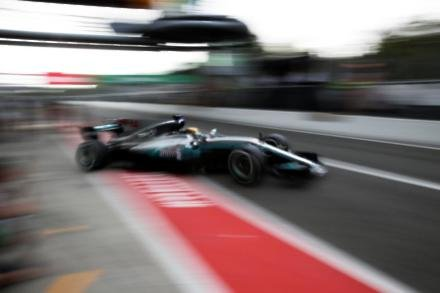 Hamilton backed to match Schumacher record