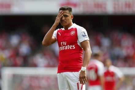 Man City make lowball Sanchez bid