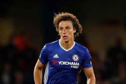Luiz linked with Reds