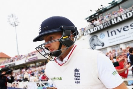 Root to stick at number four in Test team