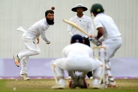 Bangladesh wilt after strong opening in Dhaka
