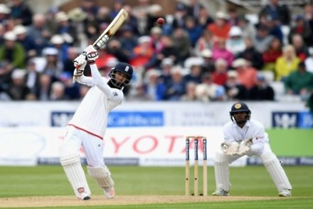 Sri Lanka crumble after Moeen century