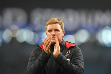 Howe says sorry to travelling fans