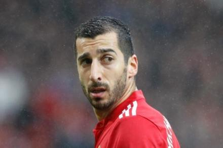 Mkhitaryan to wait for debut