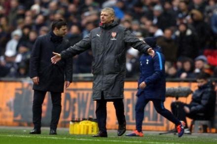 Wenger fears for top four