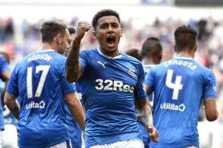 Defender James Tavernier commits future to Rangers until 2021