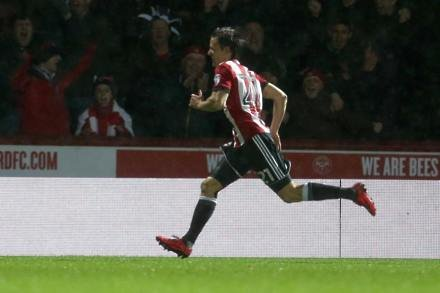 Lasse Vibe strikes to boost play-off hopefuls Brentford