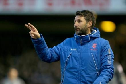 Barnsley target Lincoln boss Danny Cowley to replace Paul Heckingbottom