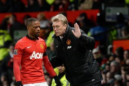 Hammers close on Evra
