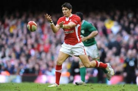 Williams tips Hook for Wales start