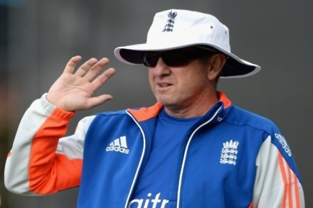 England, minus Bayliss, arrive in Dhaka