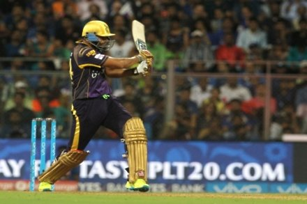 Pathan powers Kolkata to late victory