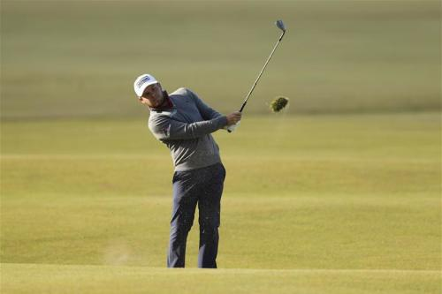 Hatton's 62 enough for three-shot lead