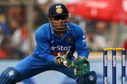 Dhoni: India Are a Top Contender in Short Formats Ms Dhoni Wicket Keeping Diving
