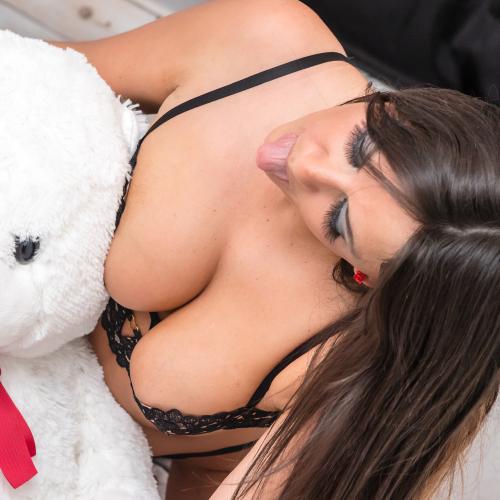 Claudia Romani Valentines Treat